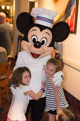 201701_Disney_75.jpg (johnvbanta) Tags: family mickey travel disney maddie maryn