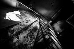 Ascension vers l'inconnu... (vedebe) Tags: noiretblanc netb nb bw monochrome escaliers usinedésaffectée usine abandonné urbain urbex rue ville city street architecture decay