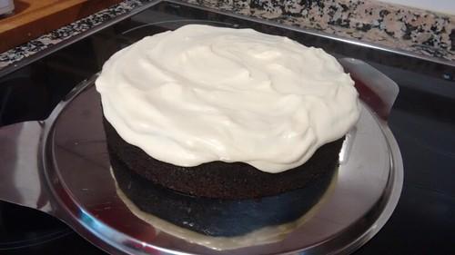Tarta de chocolate y Guinness® con cobertura de crema de queso - Paso 12