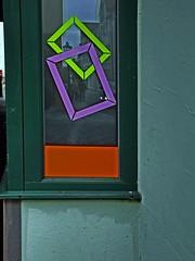 Schaufenster (Orlando Z.) Tags: spiegelung bunt rahmen bilderrahmen