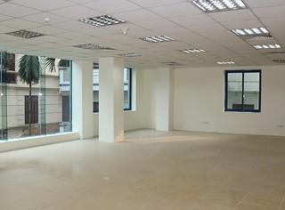 Chính chủ cho thuê 48m2 văn phòng tại phố Thái Hà