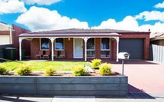 15 McKenzie Crescent, Roxburgh Park VIC