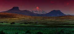 MG_4707 A giant rising up behind giants (Rodolfo Frino) Tags: argentina natur nature naturaleza paisaje lanscape paysage volcano mountain mountains green tree trees south cielo sky purple hill hills