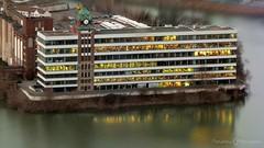 Düsseldorf - Vom Rheinturm bis zum Medienhafen (Rene Jacobs manufaktur - photographie & Travel) Tags: medienhafen rhein rheinufer düsseldorf stadt city river gebäude spiegelung lichter fenster