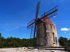 Le moulin de Daudet (Rudy Pické) Tags: france paca fontvieille