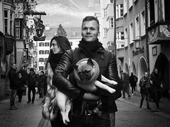 #wordless (Erwin Vindl) Tags: streetphotography streettogs candid blackandwhite bw monochrome innsbruck erwinvindl olympusomd em10markii