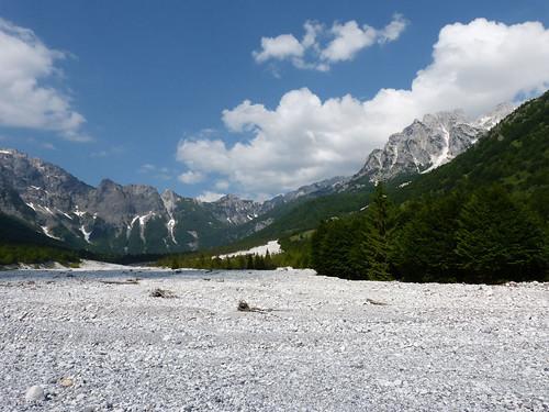Valbona-völgy sok kaviccsal