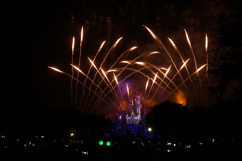"Disneyland Forever Firework Show • <a style=""font-size:0.8em;"" href=""http://www.flickr.com/photos/28558260@N04/20689579175/"" target=""_blank"">View on Flickr</a>"