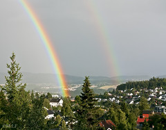 Byåsen, Ugla (mrs_fedorchuk) Tags: houses sky colour nature forest canon buildings rainbow view rainy scandinavia trondheim colourfull rainyweather sortrondelag byåsen ugla canoneos450d byasen