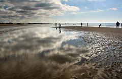 Recuerdas cuando podamos tocar las nubes?  EXPLORE (RalRuiz) Tags: espaa mar andaluca agua huelva playa arena nubes reflejo siluetas atlntico ocano islacristina playadelhoyo