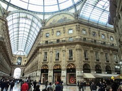 Milan The Tour Expert (127) (TheTourExpert) Tags: city italy milan cathedrals piazzadellascala capitalcities europeancities