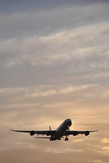 'VS46Z' (VS0046) JFK-LHR (A380spotter) Tags: cloud london water silhouette sunrise dawn wake heathrow landing trail finals 600 airbus condensation vs arrival approach vapour moisture daybreak lhr a340 vir shockwave egll 27r virginatlanticairways runway27r shortfinals britainsflagcarrier jfklhr gvyou emmelineheaney vs0046 airbornaugust2006 vs46z