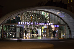 Triangeln trainstation by night (Infomastern) Tags: nightphotography station night streetphotography bynight trainstation malm natt geolocation triangeln tgstation gatufoto nattfotografering geocity camera:make=canon exif:make=canon exif:focallength=50mm geocountry geostate exif:aperture=20 exif:isospeed=1250 camera:model=canoneos760d exif:model=canoneos760d exif:lens=ef50mmf18stm