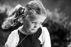petite fille (nathanaldeck) Tags: portrait noir nb po f18 et blanc