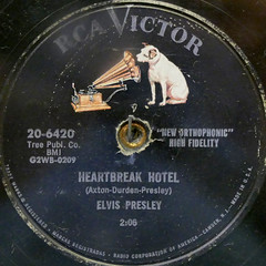 ELVIS PRESLEY - HEARTBREAK HOTEL (Leo Reynolds) Tags: xleol30x squaredcircle record single vinyl platter disc panasonic lumix fz1000 sqset124 xx2015xx sqset