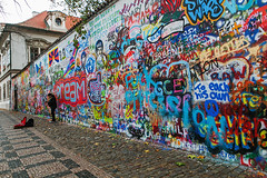 Imagine all the people... (Pankcho) Tags: prague praga johnlennon wall lennon czechrepublic repúblicacheca graffiti streetart colors colores canon michalolivermusic michaloliver street performer music musician thebeatles staremesto