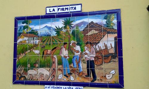 """""""La Firmita"""", mosaico en el hotel Don Carlos, basado en """"Las Concherías"""" de Aquileo Echeverría av.9, c.7-9/ """"The Signature"""", mosaic on the wall of the Don Carlos hotel, based upon the book """"Concherías"""", by Aquileo Echeverría 9th av., 7th-9th st."""