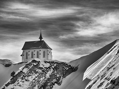 chapel klimsenhorn (black & white)