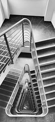 Treppenhaus - stairway (Berliner1963) Tags: officebuilding bürogebäude white black weis schwarz blackwhite schwarzweis treppe stufen geländer germany deutschland kreuzberg berlin stairway treppenhaus
