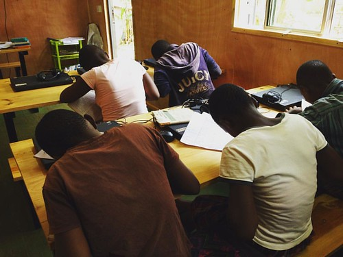 "Study study study! Our digi truck kids hard at work... Again! #soproudofthem #education 🌍 • <a style=""font-size:0.8em;"" href=""http://www.flickr.com/photos/59879797@N06/33545261785/"" target=""_blank"">View on Flickr</a>"