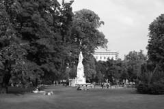 vienna_b-w_020 (rhomboederrippel) Tags: rhomboederrippel august 2015 fujifilm xe1 austria vienna summer 1bezirk 1stdistrict monochrome bw burggarten palace hofburg
