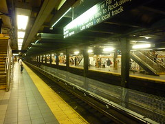 201508104 New York City subway station '14th Street' (taigatrommelchen) Tags: nyc newyorkcity railroad urban usa ny newyork station subway chelsea manhattan railway tunnel icon transit mass 20150835