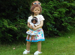 Nicht ohne meine Tochter ... (Kindergartenkinder) Tags: dolls annette himstedt annemoni kindergartenkinder leleti