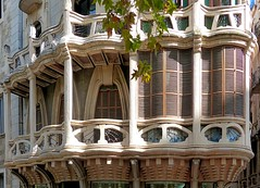 Mallorca - Palma - Plaa Mercat 13 c (Arnim Schulz) Tags: espaa art window architecture liberty ventana spain arquitectura arte fenster kunst finestra artnouveau gaud architektur espagne fentre modernismo spanien modernisme balearen jugendstil espanya balears stilefloreale belleepoque baukunst