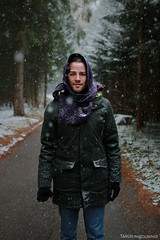 Snow is here (Tamim.photographer) Tags: street portrait snow nature colors photoshop canon photography 50mm austria tirol nice flickr photographer shooting innsbruck idee personen facebook markiii 5d3