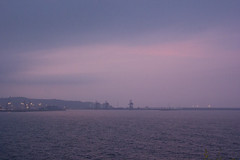 Atardecer (Moraiya) Tags: puerto atardecer mar gijn puestadesol morada xixn gras