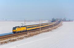 Time is short   193.214   RJ 400 RegioJet   Drahovce (lofofor) Tags: electric vectron regiojet súkromník jančura žltý sneh zima rj 404 193 214 drahovce piešťany leopoldov koridor
