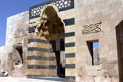 HALAB (Aleppo-Alepo). Syria. 2008.  Interior de la Ciudadela. Puerta de estilo armenio. (Carlos Sieiro del Nido) Tags: halab aleppo alepo syria siria ciudadela arquitecturareligiosa