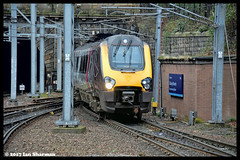 No 221127 18th Jan 2017 Edinburgh (Ian Sharman 1963) Tags: no 221127 18th jan 2017 edinburgh class station diesel engine railway rail railways train trains loco locomotive passenger ecml east coast mainline 221 voyager cross country