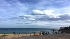 """""""Bicicletas"""" (atempviatja) Tags: marítimo nubes sol luz paseo mar playa bicicletas cielo"""