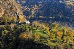 Val d'Aosta - Valle di Gressoney: Perloz, Chemp (mariagraziaschiapparelli) Tags: valdaosta valledigressoney perloz chemp allegrisinasceosidiventa autunno camminata sculture angelobettoni villaggio frazione montagna mountain monterosa