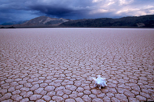 Storm gathering at Death Valley par Ozyman