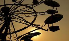 Ferris Wheel (joschmoblo) Tags: copyright wheel tag3 taggedout d50 nikon tag2 tag1 kentucky ferris ferriswheel louisville 18200 themepark allrightsreserved 2007 morethanderby kiss1 joschmoblo christinagnadinger