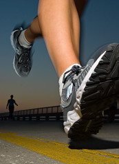 Night Run.jpg (jeremy.d.allen) Tags: road sunset topv2222 night canon shoe exercise flash leg running 10d speedlight 550ex strobist jdavidallen