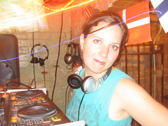 Melissa posing (Seeking Irony) Tags: hejhej