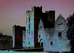 Moonlight shadow (Heaven`s Gate (John)) Tags: england castle art history beautiful stone architecture night ancient shropshire ruin dream dramatic ludlow ludlowcastle moonlight bluelist flickrific heavensgatejohn jonhdalkin