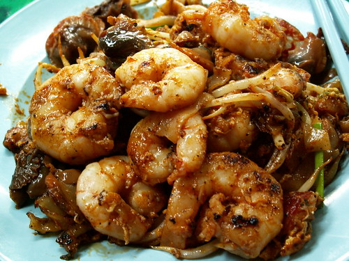 char koay teow with prawns