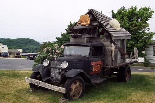 dumpy truck