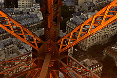 (*Secretgarden) Tags: light red orange paris france tower metal night wow painting golden interesting colorful iron tour angle steel perspective ken eiffel latoureiffel unusual colourful secretgarden  notsobad tasteoftea chanoaji  abigfave etoiledefer