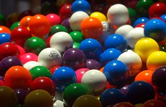 Bubble Gum (ricko) Tags: gum bubblegum thewoodlands gummachine 1on1colorfulphotooftheday 1on1colorfulphotoofthedaymay2007