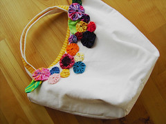 japanese yoyo-bag (sew-mad) Tags: white flower color japanese linen sewing purse handbag yoyo sewmadbadge sewmad