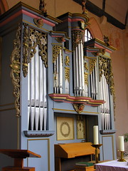 An organ on the ground floor ... (:Linda:) Tags: two music church face metal architecture angel candle leute village decorative pipe decoration kirche kerze row thuringia organ inside engel musik orgel mensch kirchenmu