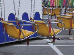 Swing seats. (HolmesBartonHolmes) Tags: light wheel night state indiana fair ferris 2006 ambient americana midway