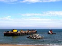 2006_0823Beach0071 (pogofish) Tags: beach aberdeen renovation groyne