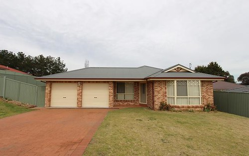 17 Sapphire Cres, Kelso NSW 2795