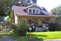 Harriet_Phillips_Bungalow (Jessica_PFP) Tags: house home outside frontofhouse frontsteps residential architecture frontporch housewithmailbox outdoors residence building dwelling bungalow frontlawn greengrass